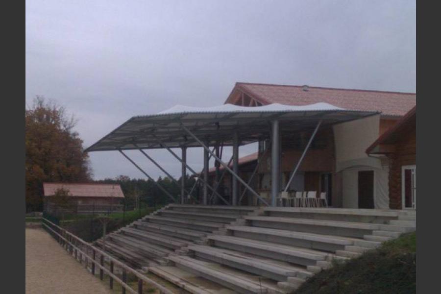 Tribune structure métallique diené 86
